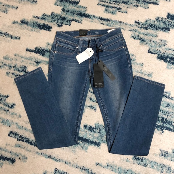 🌸New🌸Levi's low rise straight pant